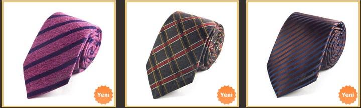 lacivert-takim-elbiseye-cizgili-kravat-tavsiye